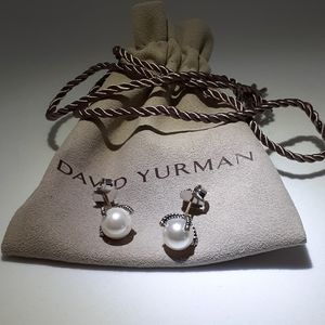 David Yurman 9mm Dia & Pearl earrings gold…